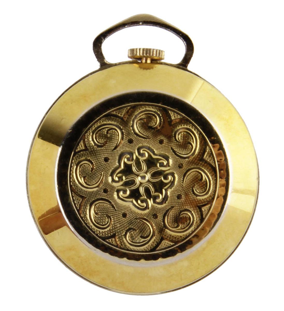 Изящные дамские часы Leda. Металл, стекло, кварцевый часовой механизм. Leda, Швейцария, вторая половина XX векаОС28639Изящные дамские часы Leda. Металл, эмаль, стекло, кварцевый часовой механизм. Leda, Швейцария, вторая половина XX века. Диаметр 3,5 см. Сохранность хорошая. Часы в рабочем состоянии. Миниатюрные дамские часы-подвеска в металлическом корпусе золотого оттенка. Корпус с лицевой стороны украшен минималистичным орнаментом. Стильный акцент винтажного образа и оригинальная идея для подарка!