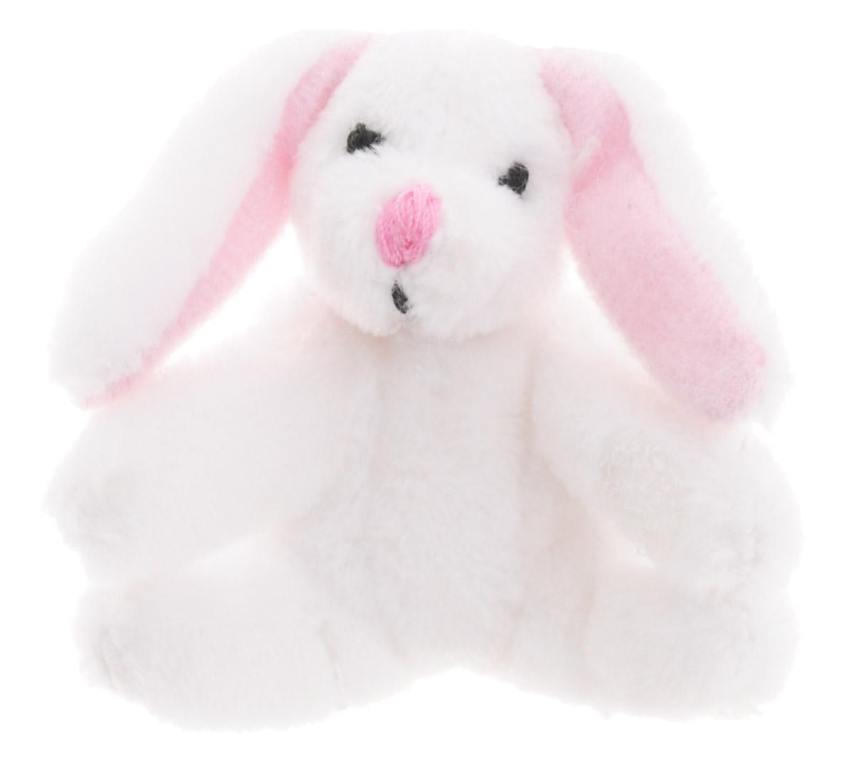 Beanzees Мягкая игрушка Кролик Hoppy 5 смB31001_4_белый кроликСимпатичная миниатюрная мягкая игрушка Beanzees Кролик Hoppy - это игрушка три в одном. Ее приятно держать в руках, увлекательно коллекционировать, а также эти игрушки можно соединять между собой с помощью липучек и носить как оригинальное украшение на шею или на руку. По легенде эти крошечные животные обитают все вместе в волшебном лесу под названием Бинзилэнд, в котором всегда ярко светит солнышко и цветут цветы. Размер игрушки 5 см, она выполнена из мягкого гипоаллергенного материала, набивка - синтетическое волокно, в том числе специальные пластиковые гранулы, делающие эту игрушку замечательным антистрессом. На лапках кролика располагаются маленькие текстильные липучки, с помощью которых игрушку можно соединять с другими.