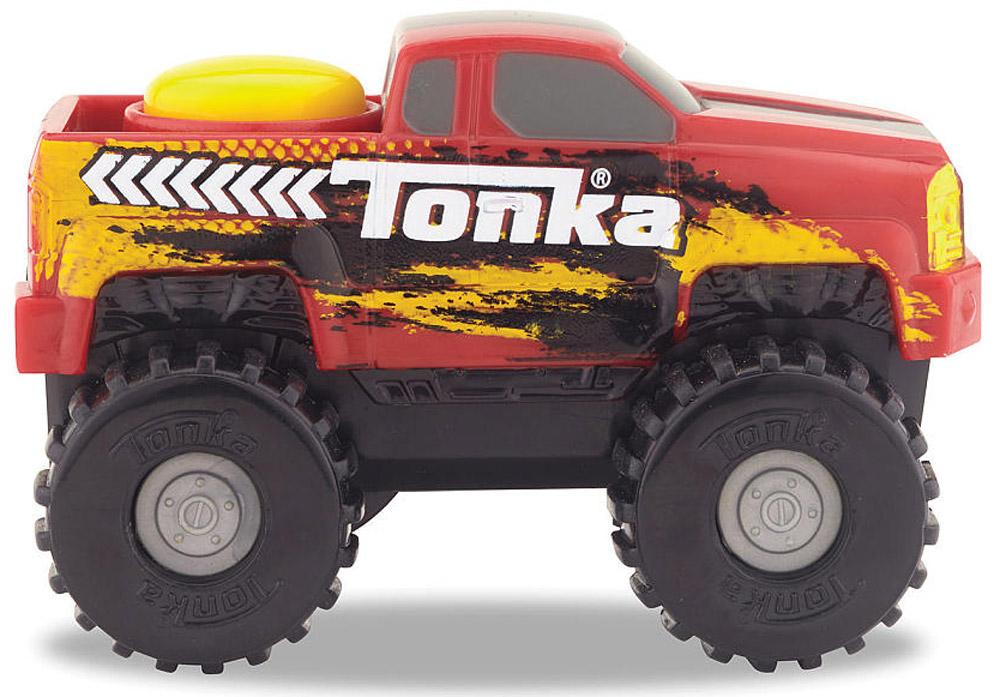 Tonka Пикап внедорожникpickup truck SUV/ast51478Пикап внедорожник Tonka станет отличным подарком юному любителю гонок. Машинка окрашена в красный цвет и имеет мощные колеса, которые легко проедут через любое препятствие. А если ребенок нажмет на большую желтую кнопку, которая находится на крыше кузова, то машинка быстро помчится вперед. Соберите всю коллекцию машинок данной серии и играйте в них вместе с друзьями, придумывая различные игровые сюжеты! Также машинка подойдет для треков этой серии. Рекомендуется докупить 2 батарейки напряжением 1,5V типа ААА (товар комплектуется демонстрационными).
