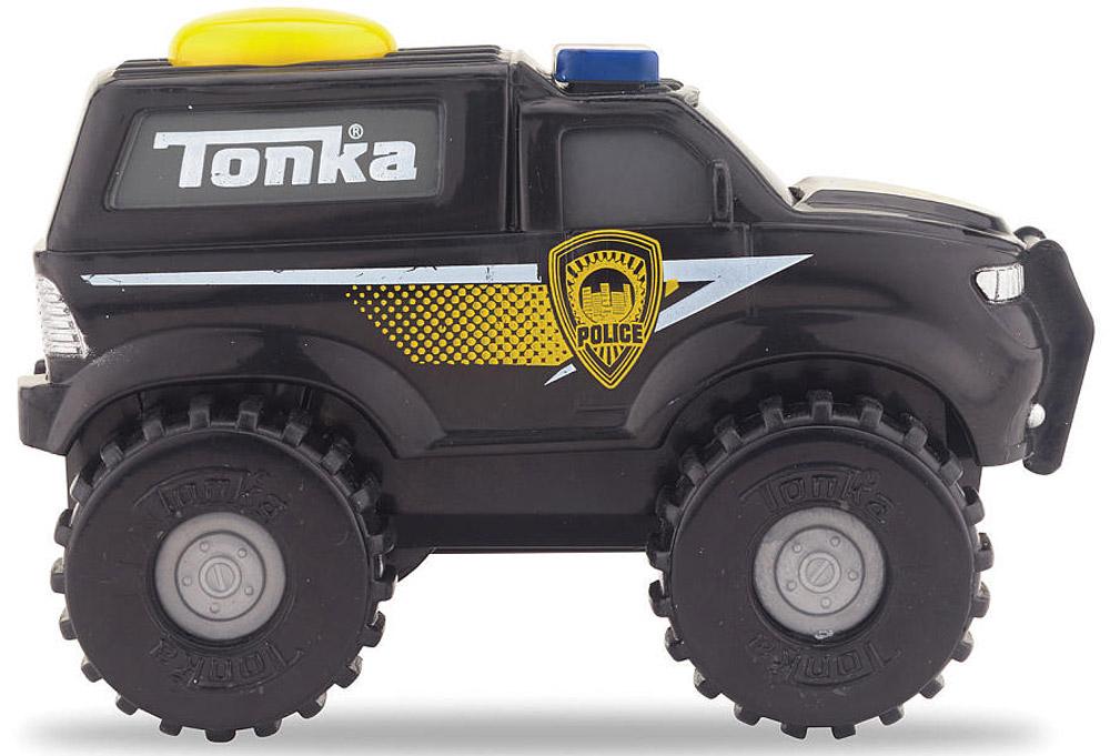 Tonka Полицейский внедорожникpolice SUV/ast51478Полицейский внедорожник Tonka станет отличным подарком юному любителю гонок. Машинка имеет черный корпус, на котором обозначен символ полиции. Мощные черные колеса автомобиля с серыми дисками легко проедут через любое препятствие. А если ребенок нажмет на большую желтую кнопку, которая находится на крыше кузова, то машинка быстро помчится вперед. Соберите всю коллекцию машинок данной серии и играйте в них вместе с друзьями, придумывая различные игровые сюжеты! Также машинка подойдет для треков этой серии. Рекомендуется докупить 2 батарейки напряжением 1,5V типа ААА (товар комплектуется демонстрационными).