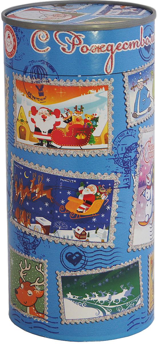 Избранное из моря чая Новый Год Новогодние марки (туба) чай черный листовой, 85 гр.4792219611714ТМ «ИЗБРАННОЕ ИЗ МОРЯ ЧАЯ», коллекция «Подарочный чай к Новому году». Картонная баночка в форме тубы с перфорацией для контроля вскрытия, с глиттерным лаком. Производитель: Ceylon Tea Land, Шри-Ланка, Состав: 100% цейлонский черный чай. Стандарт ОРА (крупный лист). Листья для этого чая собирают с кустов после того, как почки полностью раскрываются. В сухой заварке листья должны быть крупными (от 8 до 15 мм) и однородными. Этот сорт практически не содержит типсов, но имеет высокое содержание ароматических масел, и поэтому настой чая очень ароматен. Также этот чай характерен вкусом с горчинкой благодаря большому содержанию дубильных веществ. Этот чай упакован в пачки из фольги в Шри-Ланке сразу после сбора урожая, в период созревания чая, когда он наполнен полезными веществами и эфирными маслами. Знак в виде Льва с 17 пятнышками на шкуре - это гарантия Бюро Цейлонского Чая на соответствие чая высокому стандарту качества, установленному Правительством и упакованному только в пределах...