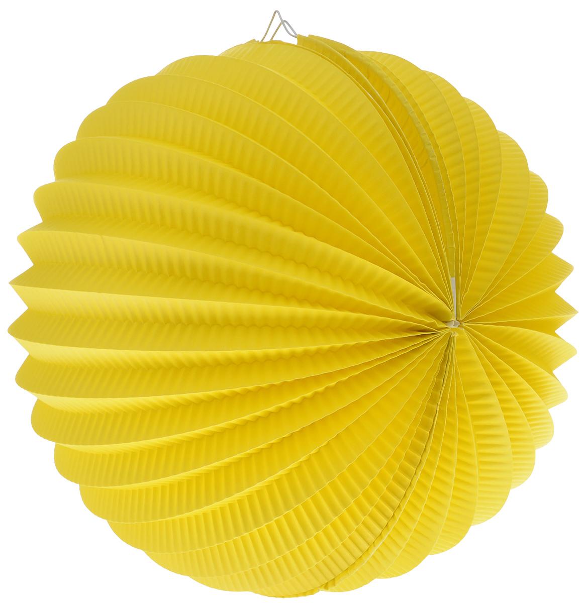 Фонарик бумажный Susy Card, цвет: желтый, диаметр 22 см11141967_желтыйЯркий гофрированный бумажный фонарик Susy Card, выполненный в виде шара, оснащен металлическим креплением, благодаря которому изделие можно подвесить в любом удобном для вас месте. Фонарик Susy Card украсит интерьер любого помещения и предаст неповторимую атмосферу радости вашему торжеству. Диаметр фонарика: 22 см.