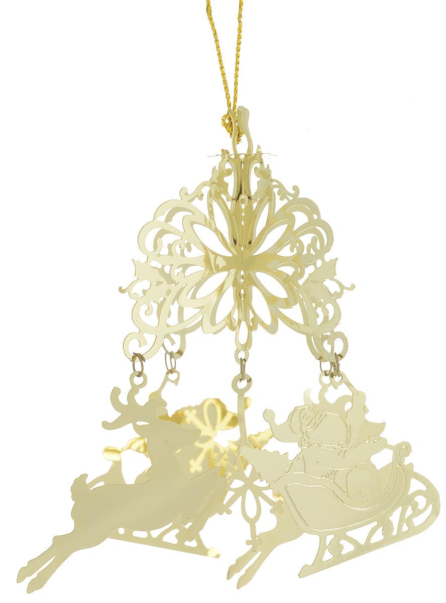 Украшение новогоднее подвесное Феникс-Презент Дед Мороз и олени, 9 х 9 х 8,5 см. 2508625086Новогоднее подвесное украшение Magic Time Дед Мороз и олени выполнено из металла в виде подвески с Дедом Морозом и оленем. С помощью специальной петельки украшение можно повесить в любом понравившемся вам месте. Но, конечно, удачнее всего оно будет смотреться на праздничной елке. Елочная игрушка - символ Нового года. Она несет в себе волшебство и красоту праздника. Создайте в своем доме атмосферу веселья и радости, украшая новогоднюю елку нарядными игрушками, которые будут из года в год накапливать теплоту воспоминаний.
