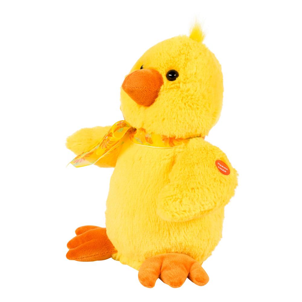 Музыкальные подарки Мягкая игрушка Цыпленок ЖелтокCH-2Трогательный желтый цыпленок с нежным бантом на шее поет забавную детскую песенку. При этом он качается из стороны в сторону и машет крылышками. Эта игрушка отлично подойдет в качестве подарка для самых маленьких ценителей прекрасного, ведь им будет так весело петь и танцевать вместе с «Цыпленком Желтком»!