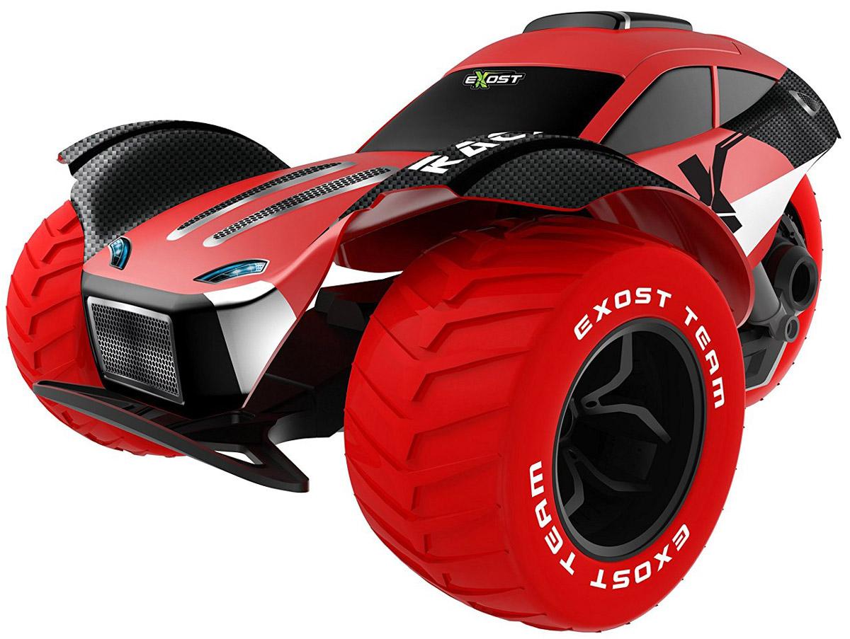 Silverlit Машина на радиоуправлении Stunt ForceTE128Машинка на радиоуправлении Silverlit Stunt Force - это большой (масштаб 1:8), ультрабыстрый автомобиль, готовый совершать сумасшедшие трюки. В комплекте с игрушкой поставляется всё необходимое, чтобы можно было сразу же приступить к виражам. Три колеса болида имеют большой диаметр и четкие протекторы. Это даёт игрушке хорошее сцепление с дорогой на асфальтированной или другой твёрдой поверхности, позволяет моментально разгоняться. Большой вес добавляет модели устойчивости. По масштабу и техническим характеристикам машина Stunt Force близка к радиоуправляемым автомобилям хобби-класса, которые используют автомоделисты на соревнованиях. В силу внушительных габаритов и веса машины рекомендуется запускать модель на больших площадках, где нет прохожих. Машина работает от сменного аккумулятора (в комплекте). Для работы пульта управления необходимы 2 батарейки типа АА напряжением 1,5V (товар комплектуется демонстрационными).