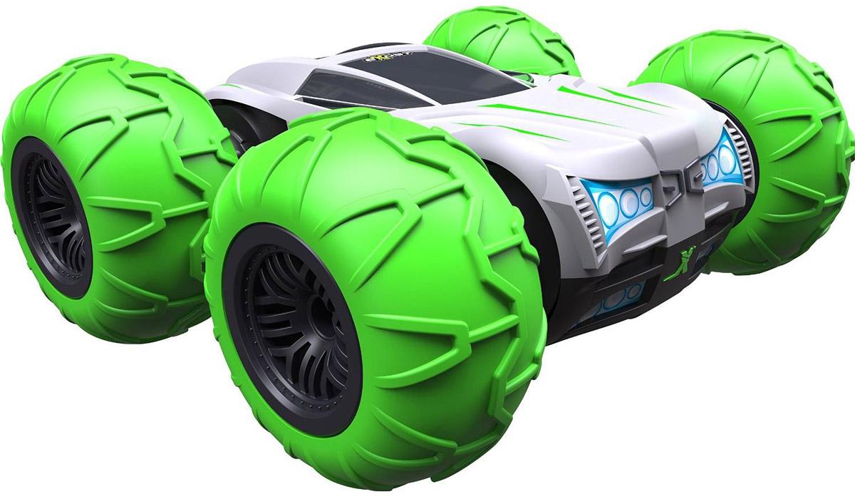 Silverlit Машина на радиоуправлении 360 ТорнадоTE115Машина на радиоуправлении Silverlit 360 Торнадо - это машинка-перевёртыш. Это значит, что она одинаково хорошо ездит в обычном положении и вверх тормашками. Кроме того, этот внедорожник в масштабе 1:10 может вращаться на одном месте на 360°. Шины машинки довольно большие, они выступают за бамперы автомобиля, поднимаются значительно выше корпуса, - таким образом, защищая пластиковый кузов игрушки от ударов о землю и препятствия. В комплекте идет насос для подкачки шин, с его помощью можно регулировать степень амортизации. Машинка быстро развивает скорость до 15 км/ч. При резком старте игрушка может перевернуться вверх тормашками и продолжить движение в таком виде. Модель 360 Торнадо предназначена для игры на улице. Радиус действия пульта управления составляет 20 м. Одновременно до 10 игроков могут управлять автомобилями, сигнал при этом не будет пропадать. Для работы игрушки необходимы 8 батареек типа АА напряжением 1,5V (товар комплектуется...