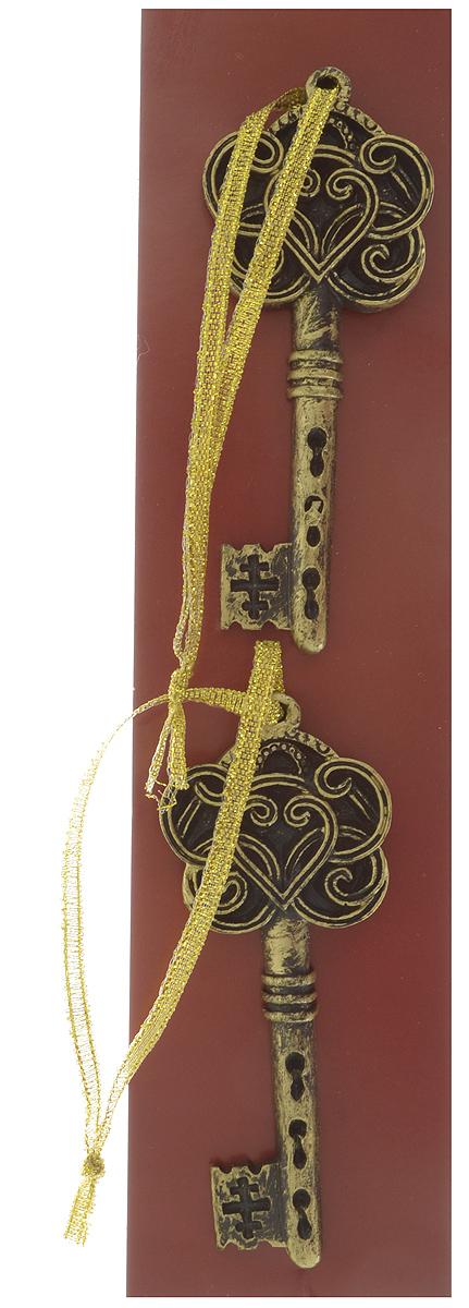 Украшение новогоднее подвесное Magic Time Золотые ключи, 8,5 х 3,5 х 0,8 см, 2 шт41806Подвесное украшение Magic Time Золотые ключи, выполненное из полирезины, прекрасно подойдет для праздничного декора. С помощью специальной петельки его можно повесить в любом понравившемся вам месте. Но, конечно, удачнее всего такая игрушка будет смотреться на праздничной елке. Елочная игрушка - символ Нового года и Рождества. Она несет в себе волшебство и красоту праздника. Создайте в своем доме атмосферу веселья и радости, украшая новогоднюю елку нарядными игрушками, которые будут из года в год накапливать теплоту воспоминаний. Размер украшения: 8,5 х 3,5 х 0,8 см.
