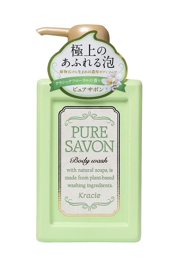 Kracie 17425 Мыло жидкое для тела «Pure Savon – аромат цветов», 300 мл17425krНежное мыло для тела образует обильную кремовую пену, которая хорошо очищает кожу, обильно увлажняет и делает её гладкой. В составе экстракт мыльнянки лекарственной и масло Ши. Густая кремообразная пена легко обволакивает кожу и увлажняет её. Экстракт и эссенции свежих растений придают насыщенный аромат и концентрированность средства. Одного нажатия достаточно для образования обильной пены и использования для всего тела. Эссенция Лилии белоснежной делает поверхность кожи гладкой. Элегантный аромат классических цветов