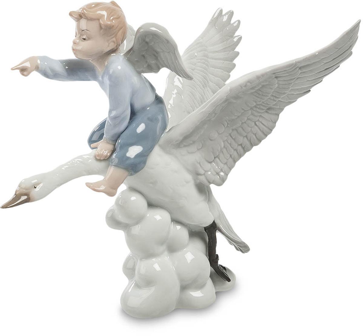 Фигурка Pavone Ангел. JP-22/ 2JP-22/ 2Фигурка Ангела высотой 19 см. Верхом на птице рассекает облака повелитель небес!