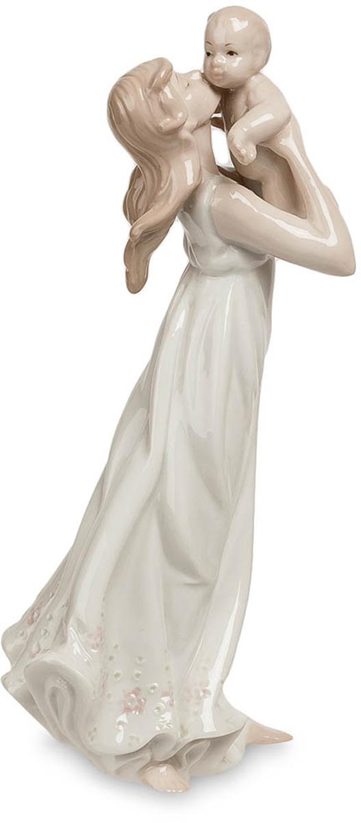 Фигурка Pavone Девушка. JP-15/13JP-15/13Фигурка Девушки высотой 18 см. Первенец - главный мужчина в жизни любой мамы!