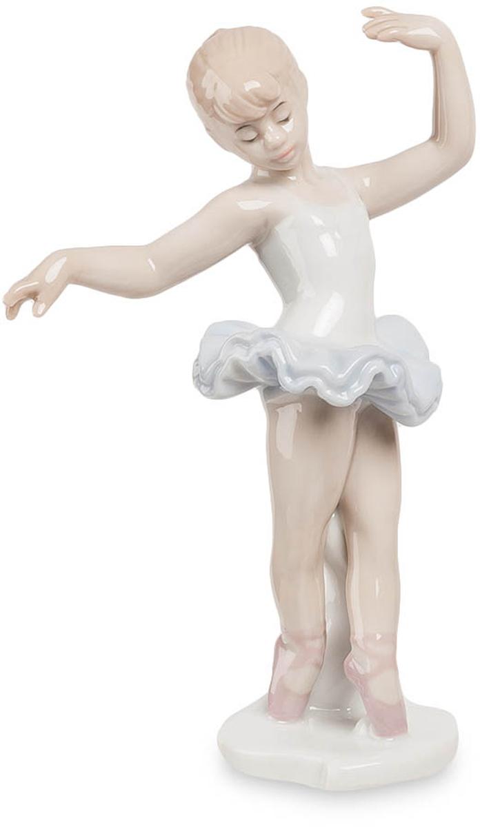 Фигурка Pavone Балерина. JP-27/21JP-27/21Фигурка Балеринвы высотой 15 см. Танцевать — значит быть вне самого себя, больше, сильнее, красивее.