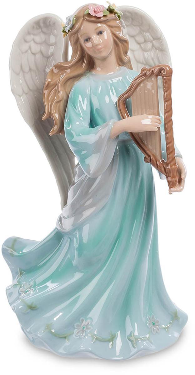 Музыкальная статуэтка Pavone Ангел с арфой. CMS-24/ 5CMS-24/ 5Музыкальная статуэтка Ангел с арфой (Pavone) Эта девушка, играющая на маленькой арфе, - настоящий ангел. За спиной аккуратно сложены два больших белых крыла, украшенные цветами длинные волосы развеваются на ветру, как и подол длинного, до земли, платья. Задача ангела-хранителя – обеспечивать в семье покой, мир и любовь. Вот и помогает ангел себе приятной, успокаивающей мелодией, которую можно услышать даже просто посмотрев на эту фигурку. Взгляд ангела серьезен: дело обеспечения покоя – его основная работа, и к ней нельзя относиться небрежно. Вот и звучит ангельская музыка, проникая своими неслышными звуками в каждое сердце, успокаивая и умиротворяя.