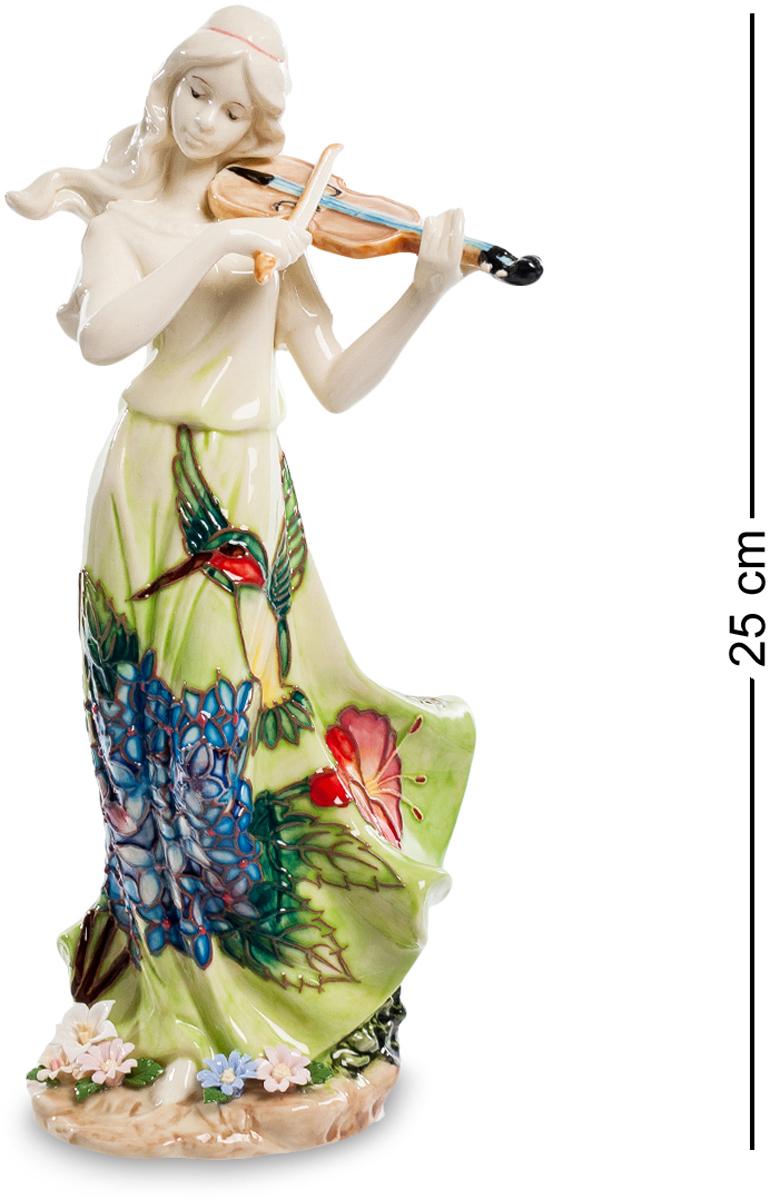 Статуэтка девушка Pavone Волшебная скрипка. JP-37/ 7JP-37/ 7Статуэтка Девушки высотой 25 см. Любимый инструмент Шерлока Холмса помогал великому детективу сосредоточиться и решать сложнейшие задачи. А нам, обычным людям, остаётся лишь наслаждаться сладостным звучанием этого инструмента! Статуэтка девушки Волшебная скрипка очаровывает и восхищает покупателей с первых мгновений! Посмотрите, сколько нежности, грации и утонченности вложили дизайнеры в это изделие! Удивительно красивый наряд девушки приковывает взгляды и переносит нас в мир тепла, гармонии и ласковых солнечных лучей. Обратите внимание на цветы у ног скрипачки – они, будто бы, распустились от прекрасной игры и впитывают в себя волшебные звуки восхитительной мелодии. Ласковый ветерок развевает волосы и платье прекрасной героини, подчеркивая воздушность и легкость фигурки. Вне всякого сомнения, перед нами истинный шедевр, который станет украшением вашего дома.