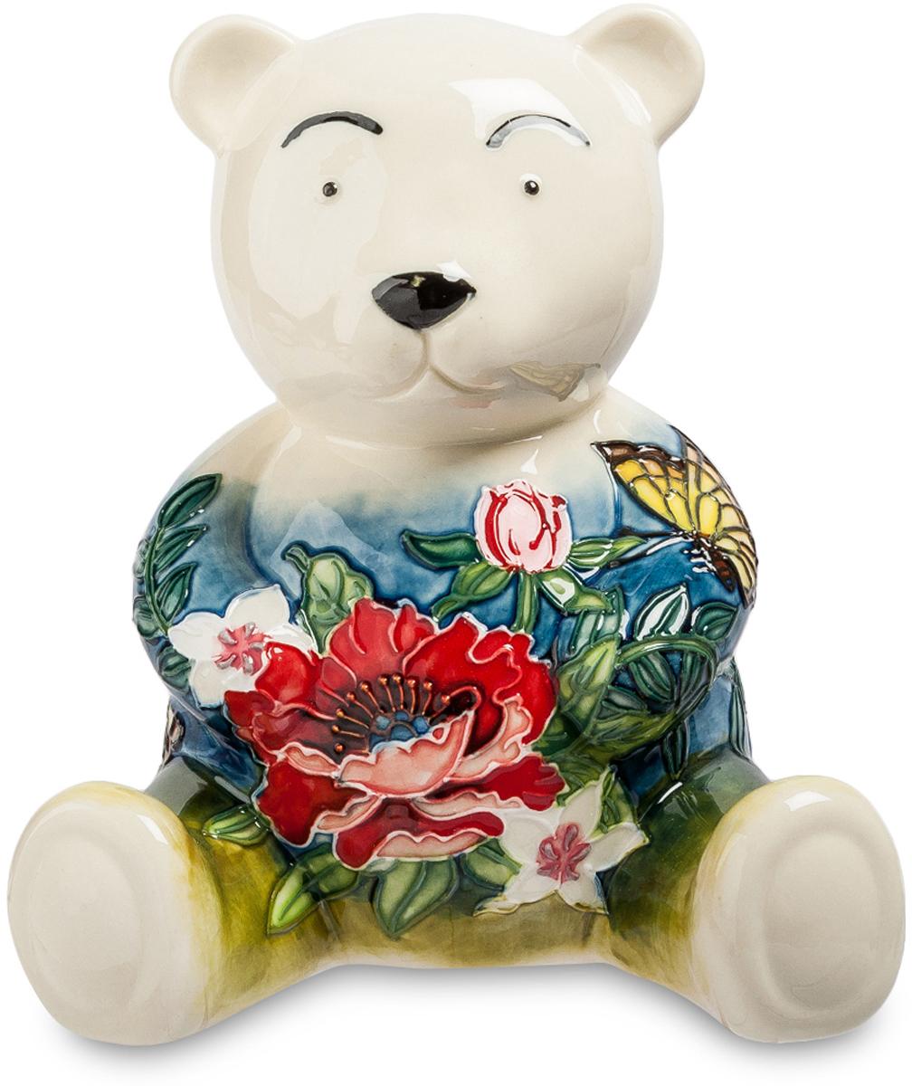 Копилка Pavone Мишка. JP-158/10JP-158/10Фигурка Медведя высотой 16 см. Есть медведи суровые, сердитые! А есть Мишки - Милашки, добрые и приятные. Фарфоровый мишка станет не только тайным местом, где вы будете хранить свои сбережения, но и станет украшением вашей комнаты. Он превосходно дополнит ее. Мишка понравится многим своим искренним, безумно милым видом. Его глаза-бусины, маленький нос и круглые бровки делают мишку еще более притягивающим. Он удивительно обаятельный, а цветы на его теле дополняют копилку и создают полноценный яркий, необычный образ. Цветы настолько красивы, и яркие, что никто не скажет, что ваш мишка – это унылая копилка.