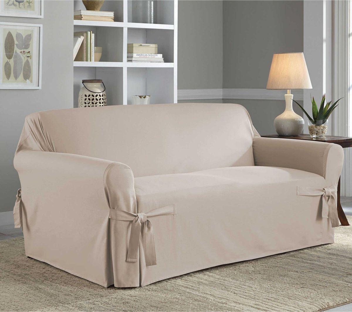 Чехол на диван Медежда Брайтон, трехместный, цвет: бежевый1403011203000Чехол на трехместный диван «Брайтон» легко гармонирует почти со всеми палитрами цвета и любым типом интерьера. Классический чехол из хлопка, не эластичен, но хорошо принимает форму дивана, идеально подходит для диванов с шириной спинки от 185 до 235 см.