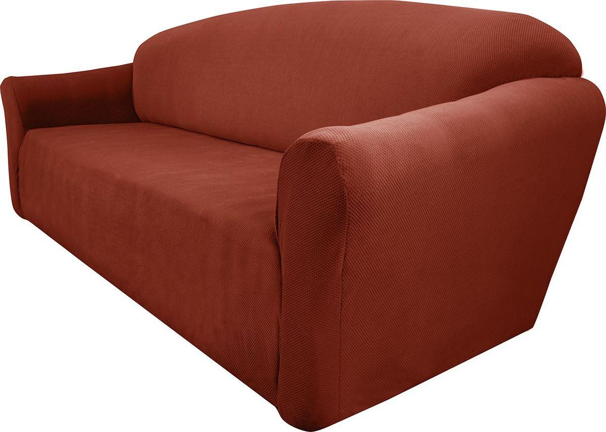 Чехол на диван Медежда Бирмингем, трехместный, цвет: терракотовый1403031109002Чехол на трехместный диван из коллекции Бирмингем изготовлен из стрейчевого велюра. Поверхность велюра приятна для прикосновений. Сочетание нежности и прочности - визитная карточка велюра. Вещи из него даже спустя много лет смотрятся, как новые. Велюр - по праву один из уверенных лидеров среди мебельных тканей. Тонкий геометрический дизайн добавляет уют помещению. Чехол легко растягивается и хорошо принимает форму дивана, подходит для большинства стандартных диванов с шириной спинки от 185 до 235 см.