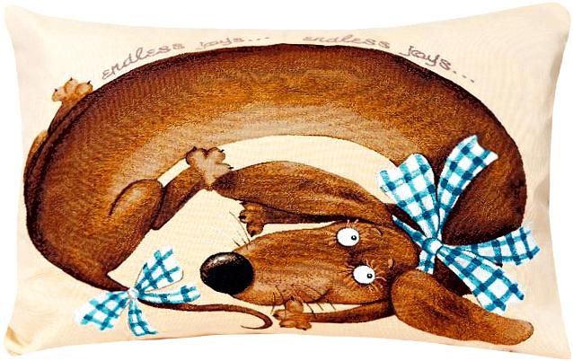 Подушка декоративная Рапира Баловни. Такса Бантик, 50 х 70 см4824Декоративная подушка с наполнителем холлофайбер со съёмным чехлом на молнии, выполненным из жаккарда, - это яркий штрих в интерьере комнаты. Лицевая сторона - гобелен (жаккардовое ткачество), оборотная сторона - однотонная ткань типа плюш.