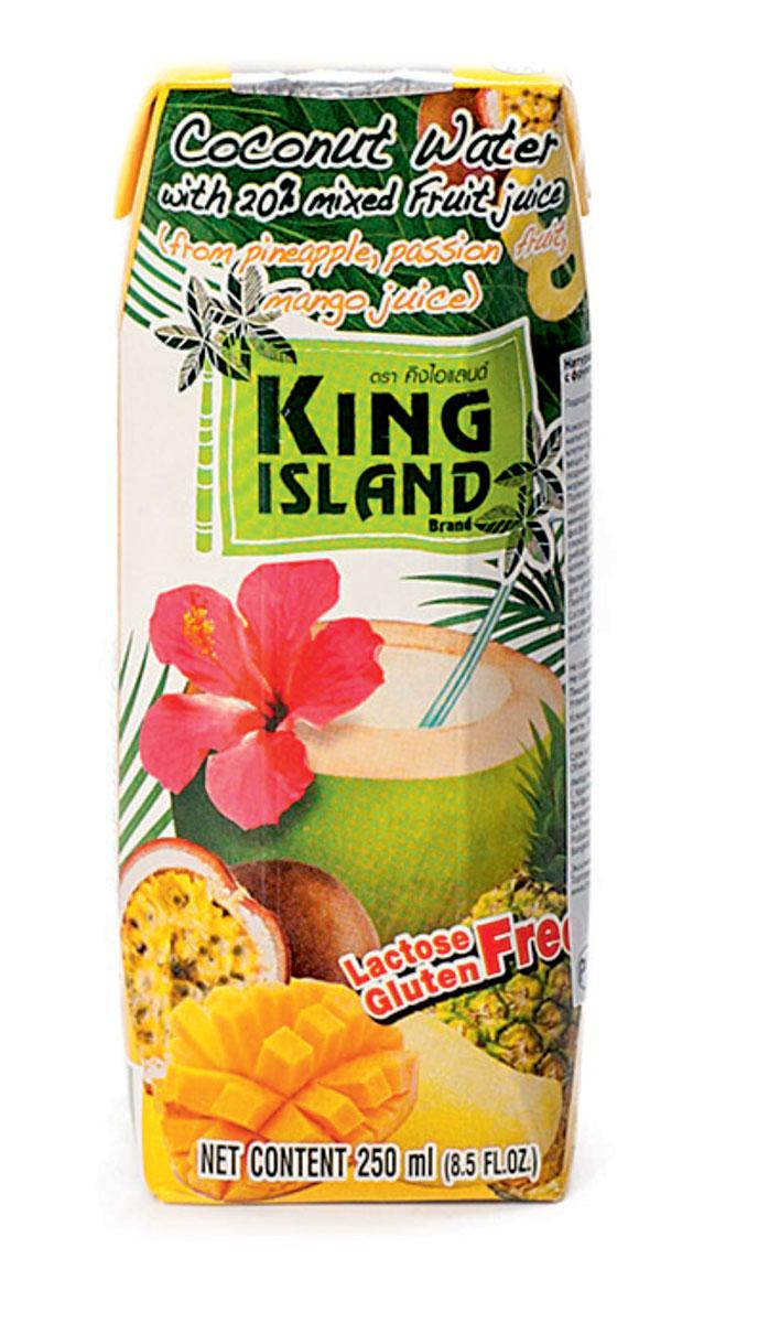 King Islamd кокосовая вода c соками ананаса, маракуйи и манго, 250 мл542918100% натуральная кокосовая вода без сахараКокосовая вода – природный изотонический напиток, насыщающий кислородом все клетки организма, улучшающий обмен веществ, содействующий снижению веса, поднимающий иммунитет, способствующий нормализации уровня сахара в крови. Полезен при борьбе с вирусами, в т.ч. герпеса, гриппа и др. Натуральный источник минералов: натрий, кальций, железо, магний, фосфор, медь, калий, селен, марганец, цинк, глюкоза. Содержит витамины: С, В-6, В-12, рибофлавин, ниацин, тиамин, пиридоксин, холин, фолаты. Кокосовая вода King Island содержит около 294 мг калия, это больше, чем почти во всех спортивных напитках (117 мг) и энергетиках. В то же время в ней меньше натрия (25 мг), чем в спортивных(41 мг) и энергетических (200 мг) напитках, поэтому King Island - идеальный напиток для любителей фитнеса и активного образа жизни. При этом он не содержит сахара (а так же фруктозы и других сахарозаменителей), а калорийность такого напитка всего 14 кКал на 100 г. Таким...