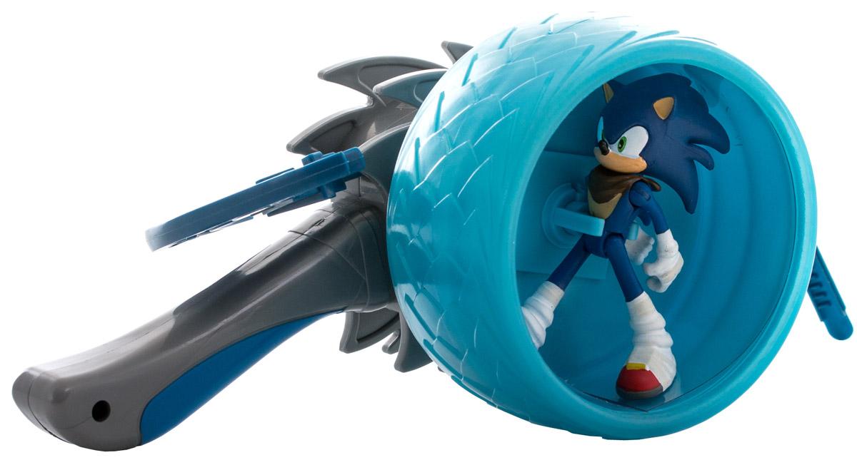 Sonic Boom Набор фигурок с пусковым устройством СоникT22061Фигурка с пусковым устройством Sonic Boom Соник создана по мотивам мультсериала Sonic Boom, основанного на культовой компьютерной игре 90-х годов Sonic the Hedgehog. Суперскоростной синий ёжик Соник хорошо знаком даже тем, кто не увлекается видеоиграми. Неординарная внешность, яркий характер и потрясающая харизма делают этого героя не только привлекательным, но и запоминающимся персонажем, образ которого не устарел за столь длинную для компьютерного героя историю. Благодаря мультфильмам о приключениях Соника и его друзей забавный синий ежик и по сей день остается одним из любимых героев как у детей, так и у взрослой аудитории. Соник - необычный антропоморфный синий еж, получивший способность передвигаться со скоростью звука и даже еще быстрее. Дружелюбный и приветливый, честный и не приемлющий предательства, бесстрашный и упрямый, очень свободолюбивый и немного легкомысленный. Он обожает приключения и очень любит путешествовать. Размеренная жизнь навевает на него...