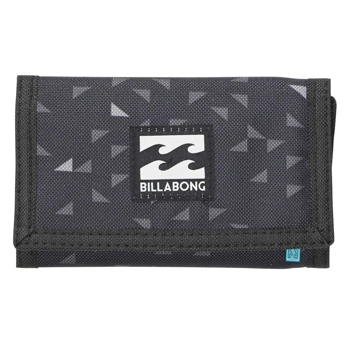 Кошелек дорожный Billabong Atom Wallet, цвет: черный, 1 л. Z5WL02Z5WL02Классический тряпичный кошелек с новыми расцветками от Billabong.
