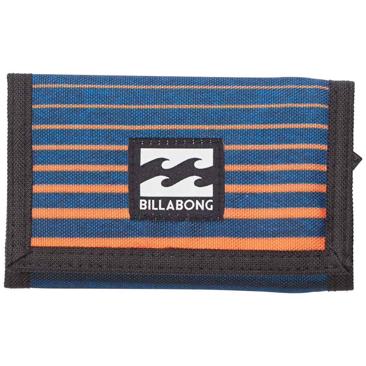 Кошелек дорожный Billabong Atom Wallet, цвет: оранжевый, синий, 1 л. Z5WL02Z5WL02Классический тряпичный кошелек с новыми расцветками от Billabong.
