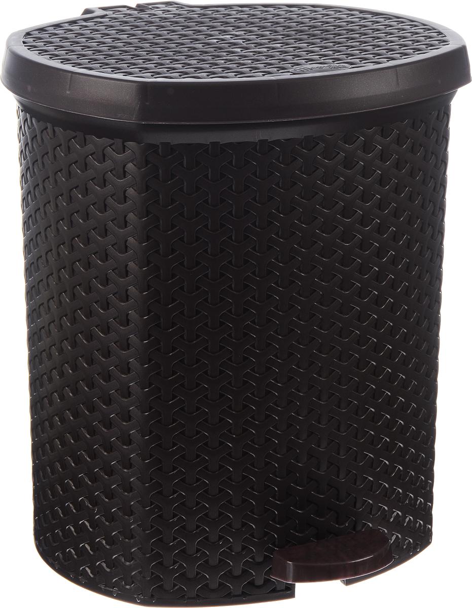 Контейнер для мусора Magnolia Home, с педалью, цвет: коричневый, 21 л3703Мусорный контейнер Magnolia Home очень удобен в использовании как дома, так и в офисе. Изделие, выполненное из прочного пластика, не боится ударов. Контейнер оснащен педалью, с помощью которой можно открыть крышку. Закрывается крышка практически бесшумно, плотно прилегает, предотвращая распространение запаха. Внутри пластиковая емкость для мусора, которую при необходимости можно достать из контейнера. Интересный дизайн разнообразит интерьер кухни и сделает его более оригинальным. Высота контейнера: 39 см.