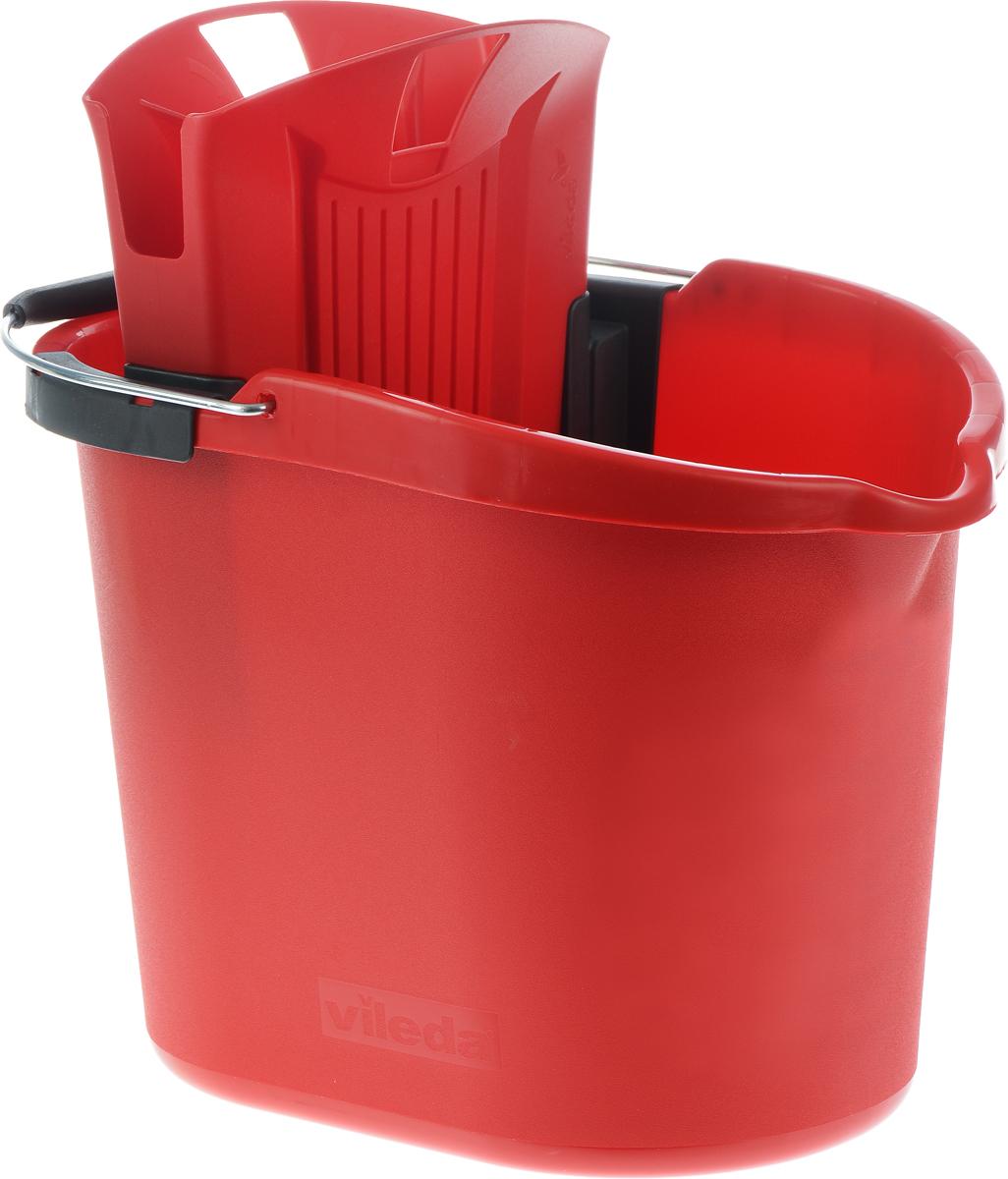 Ведро Vileda Ultramat, с отжимом, цвет: красный, 12 л10917_красныйОвальное ведро Vileda Ultramat изготовлено из крепкого, утолщенного пластика и имеет современный дизайн. Ведро снабжено специальной насадкой с технологией Power Press, которая обеспечивает интенсивный отжим швабр Vileda Ultramat. Это значительно уменьшает физические нагрузки при мытье полов. Насадка надежно крепится на ведро и также легко снимается, позволяя хранить ее отдельно. На внутренней стороне ведра имеется мерная шкала. Для удобного использования ведро имеет металлическую ручку с пластиковой вставкой. Размер ведра: 37 х 27 х 27 см.