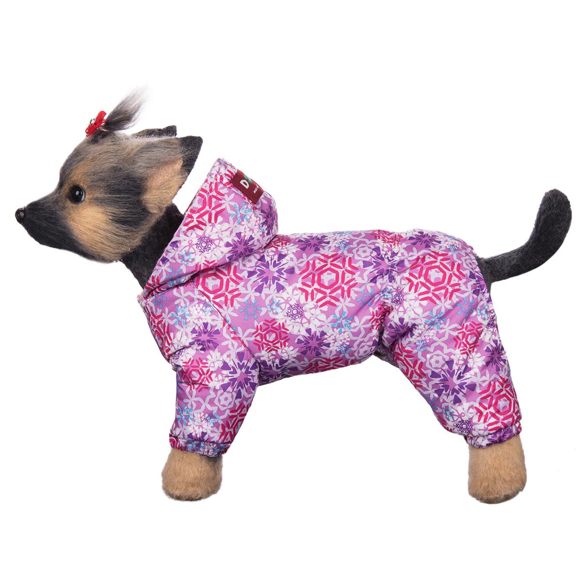 Комбинезон для собак Dogmoda Зима, для девочки. Размер 4 (XL)DM-160259-4Зимний комбинезон для собак Dogmoda Зима отлично подойдет для прогулок в зимнее время года. Комбинезон изготовлен из полиэстера, защищающего от ветра и снега, с утеплителем из синтепона, который сохранит тепло даже в сильные морозы, а на подкладке используется искусственный мех, который обеспечивает отличный воздухообмен. Комбинезон с капюшоном застегивается на кнопки, благодаря чему его легко надевать и снимать. Капюшон не отстегивается. Низ рукавов и брючин оснащен внутренними резинками, которые мягко обхватывают лапки, не позволяя просачиваться холодному воздуху. Благодаря такому комбинезону простуда не грозит вашему питомцу.