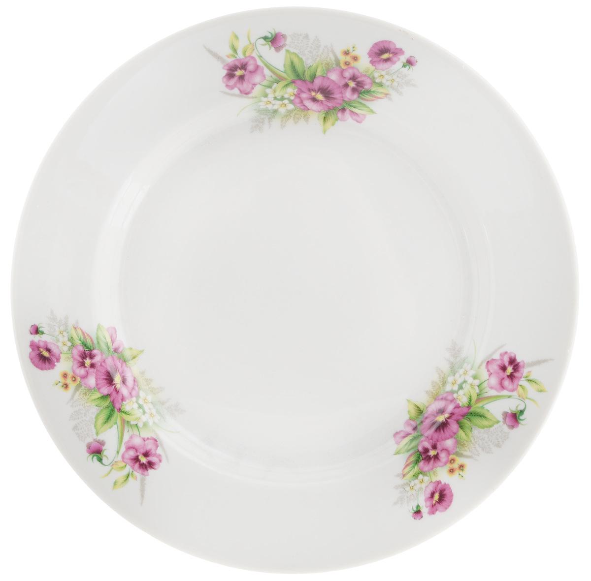Тарелка десертная Фарфор Вербилок Виола, диаметр 20 см8090750Десертная тарелка Фарфор Вербилок Виола, изготовленная из фарфора. Такая тарелка прекрасно подходит как для торжественных случаев, так и для повседневного использования. Идеальна для подачи десертов, пирожных, тортов и многого другого. Она прекрасно оформит стол и станет отличным дополнением к вашей коллекции кухонной посуды. Диаметр тарелки (по верхнему краю): 20 см.