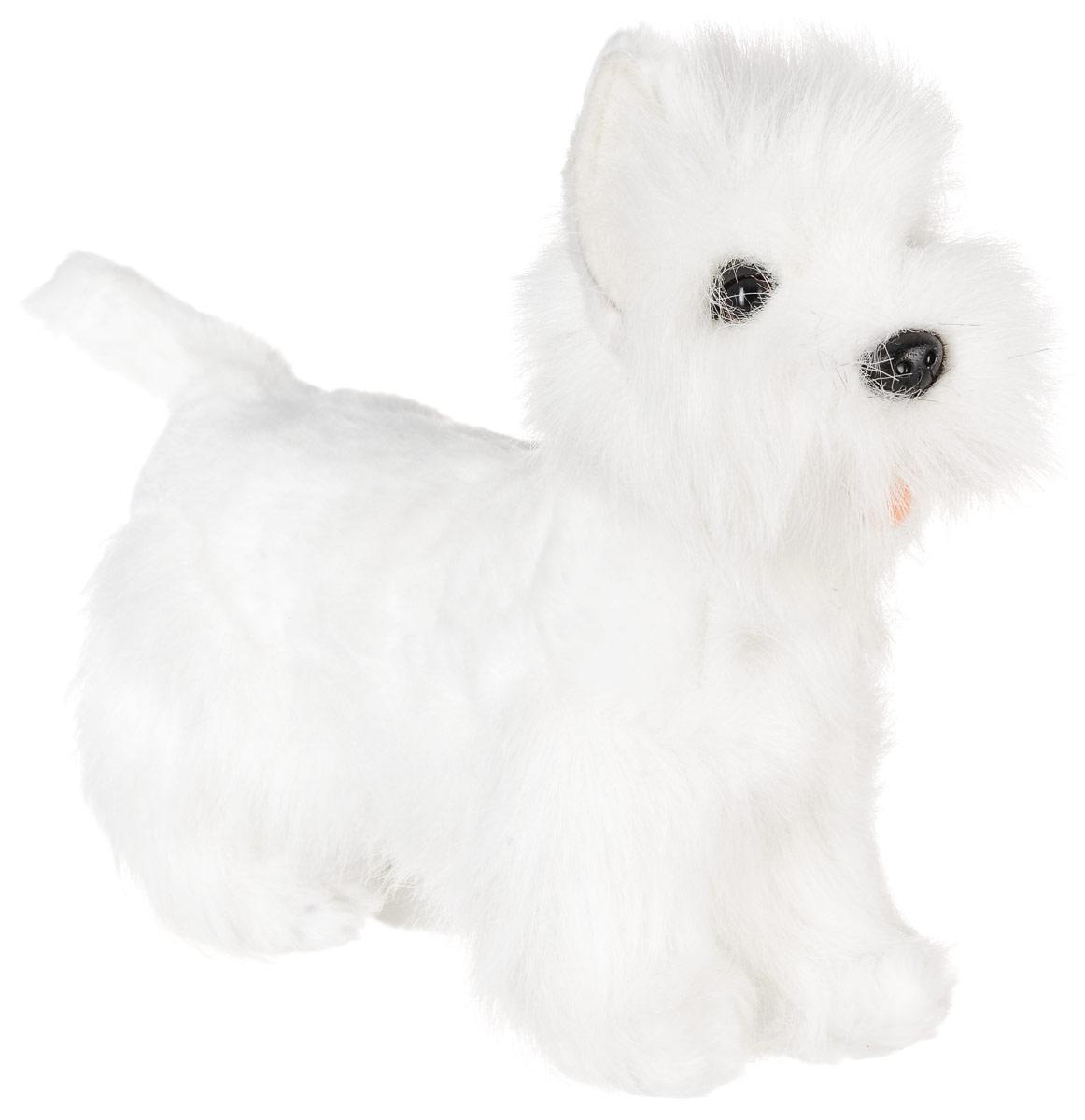 Hansa Toys Мягкая игрушка Вест хайленд терьер 26 см6307Родина Вест Хайленд Уайт Терьера - Шотландия. Несмотря на миниатюрные размеры этих собак, они очень работоспособны, поэтому их долгое время использовали для охоты на барсуков и лис. Маленькая, но крепкая собака - средний рост двадцать восемь сантиметров, и весом не более десяти килограммов. Это веселые и непоседливые собаки, требующие постоянного внимания к себе. Они являются обладателями звонкого голоса. Безгранично доверяют своему хозяину и всегда готовы встать на его защиту, даже несмотря на маленький размер. Мягкая игрушка Hansa Toys Вест хайленд терьер обязательно понравится вам и вашему малышу, а также познакомит вас с этим животным.