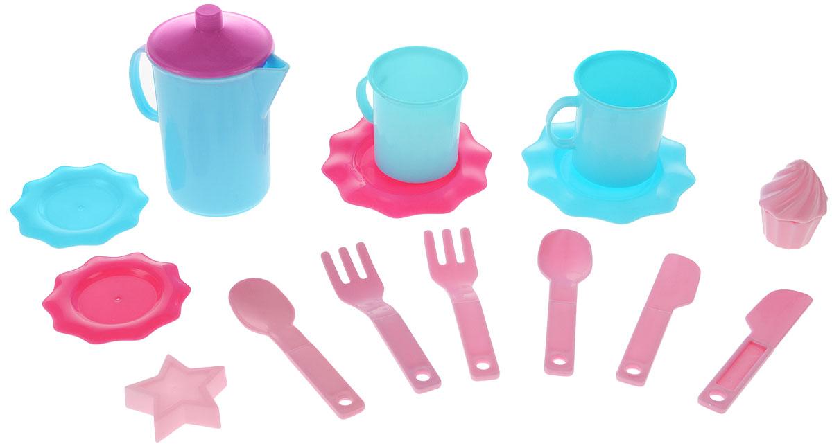 Bildo Игрушечный набор посуды для чая Холодное сердцеB 8705Игрушечный набор посуды для чая Bildo Холодное сердце включает в себя 15 предметов. Он рассчитан на две персоны. Такой набор понравится любой малышке. Ведь теперь она сможет устроить большое чаепитие для своих любимых игрушек. К тому же, благодаря набору малышка научится правильно сервировать стол. Набор выполнен из прочного и безопасного материала, который даже если упадет на пол, не разобьется, а значит, вам не нужно тревожиться о безопасности ребенка. В комплект входят наклейки с изображением героев из популярного мультфильма Холодное сердце.