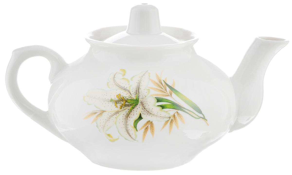 Чайник заварочный Фарфор Вербилок Белая лилия, 350 мл1431980Для того чтобы насладиться чайной церемонией, требуется не только знание ритуала и чай высшего сорта. Необходим прекрасный заварочный чайник, который может быть как центральной фигурой фарфорового сервиза, так и самостоятельным, отдельным предметом. От его формы и качества фарфора зависит аромат и вкус приготовленного напитка. Именно такие предметы формируют в доме атмосферу истинного уюта, тепла и гармонии. С заварочным чайником Фарфор Вербилок Белая лилия вы сможете ощутить более богатый, ароматный вкус чая или кофе. Изделие выполнено из высококачественного фарфора и украшено цветочным рисунком. Диаметр чайника по верхнему краю: 6 см. Диаметр основания чайника: 6,5 см. Высота чайника (без учета крышки): 7,5 см.