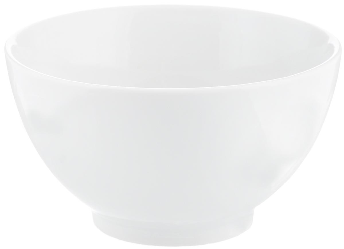 Пиала Фарфор Вербилок, диаметр 11 см2883000БПиала Белая лилия изготовлена из высококачественного фарфора. Изделие прекрасно подойдет для подачи салата, закуски или чая. Благодаря изысканному дизайну такая пиала станет бесспорным украшением вашего стола. Она дополнит коллекцию кухонной посуды и будет служить долгие годы.