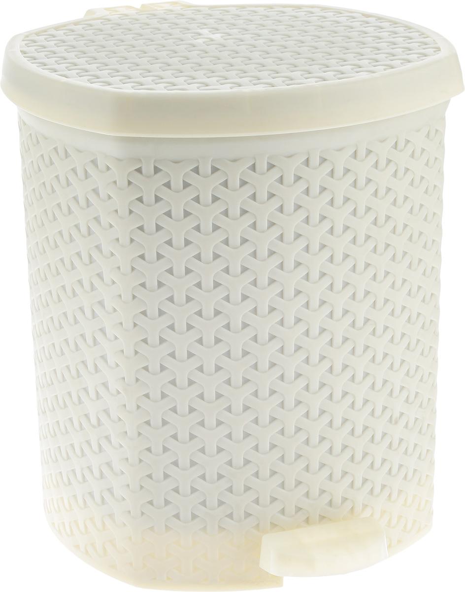 Контейнер для мусора Magnolia Home, с педалью, цвет: бежевый, 12 л3904Мусорный контейнер Magnolia Home очень удобен в использовании как дома, так и в офисе. Изделие, выполненное из прочного пластика, не боится ударов. Контейнер оснащен педалью, с помощью которой можно открыть крышку. Закрывается крышка практически бесшумно, плотно прилегает, предотвращая распространение запаха. Внутри пластиковая емкость для мусора, которую при необходимости можно достать из контейнера. Интересный дизайн разнообразит интерьер кухни и сделает его более оригинальным.