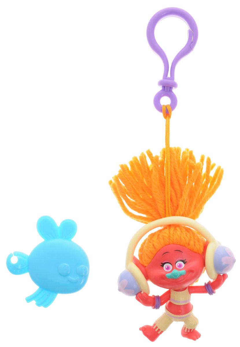 Zuru Брелок Тролль DJ Suki цвет красный6201_КрасныйФигурка-брелок тролля DJ Suki из детского мультфильма Тролли непременно привлечет внимание вашей малышки. DJ Suki - это девочка-тролль с ярко-оранжевыми волосами и милой улыбкой. Игрушка выполнена в виде фигурки-брелока, которой можно украсить сумку или портфель. Фигурка с практичным пластиковым карабином на прочном шнурке. В наборе с фигуркой имеется расческа, с помощью которой можно ухаживать за роскошной прической тролля.