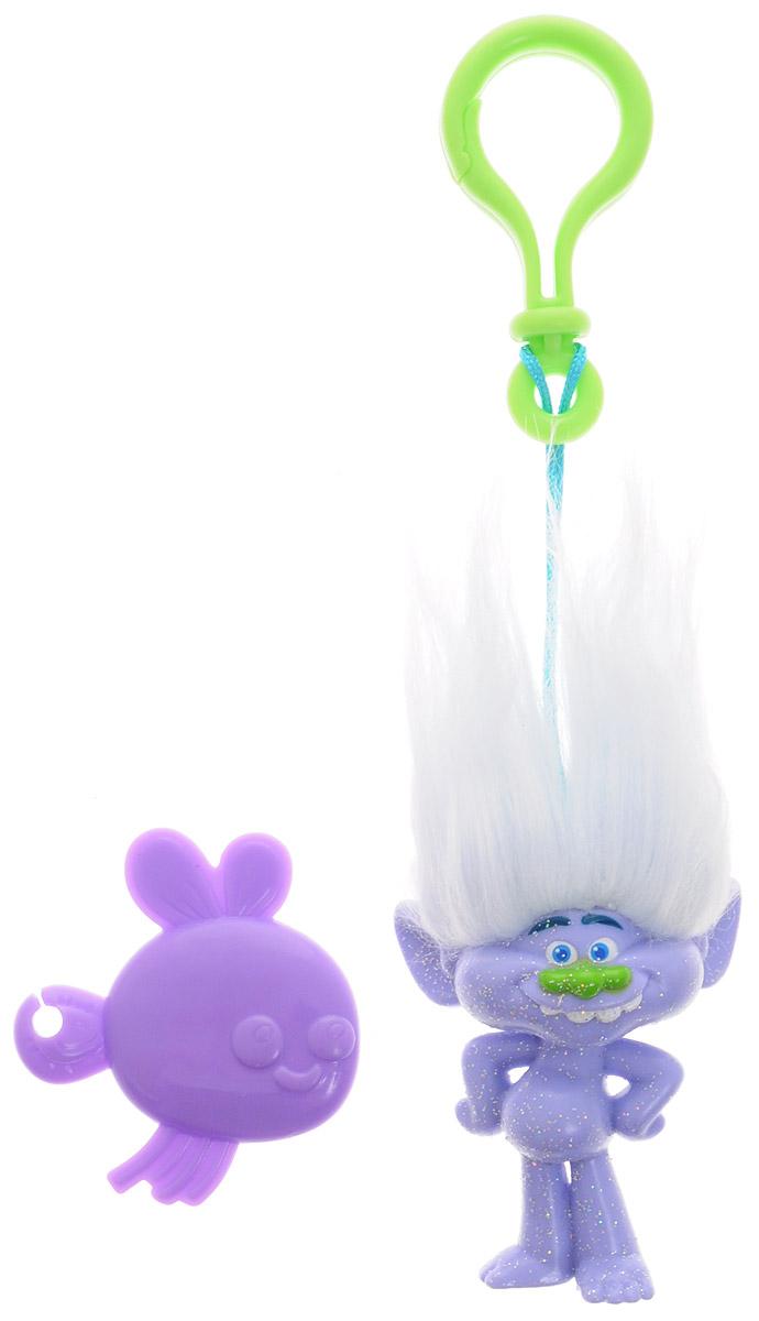 Zuru Брелок Тролль Guy Diamond цвет фиолетовый6201_фиолетовыйМилые, улыбчивые и очень доброжелательные существа из нового мультфильма Тролли выглядят очень ярко и эффектно. Колоритные персонажи мультфильма отличаются не только яркой внешностью и роскошными, торчащими вверх волосами, но и добрым характером. В свободное время тролли беззаботно веселятся, танцуют и поют песни, а в минуты опасности объединяют свои усилия и смело преодолевают жизненные трудности. Guy Diamond - сияющий стиляга, который предпочитает носить на теле сверкающие алмазные блестки вместо банальной одежды. Брелок выполнен из качественного пластика, а волосы - из мягкого текстильного материала. Брелок с практичным пластиковым карабином на прочном шнурке, благодаря чему его можно носить с собой, используя в качестве подвески на телефон, сумочку или рюкзак, а также как украшение на зеркале автомобиля или ключах. Легко поправить растрепавшуюся в процессе эксплуатации прическу тролля поможет имеющаяся в комплекте расческа для волос.