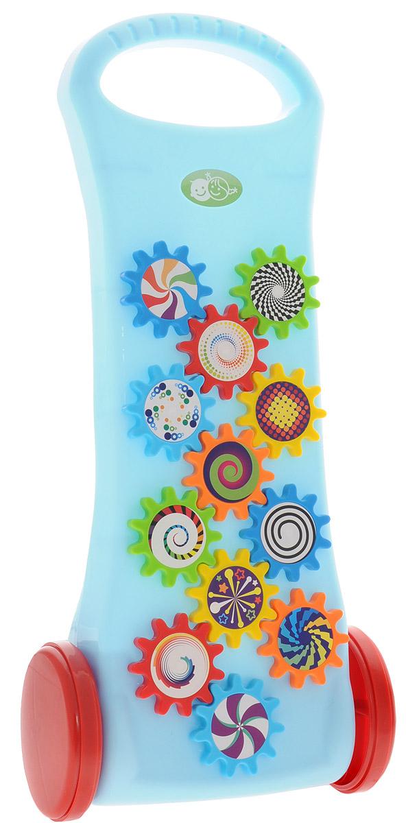 Playgo Игрушка-каталка с шестеренкамиPlay 1765Игрушка-каталка Playgo предназначена для детей от 1 года. Игрушка примечательна тем, что при ее движении, двигаются шестеренки на передней панели. Толкать каталку ребенок может сам с помощью удобной ручки округлой формы. Наблюдая за механизмом каталки, ребенок может заинтересоваться принципом работы игрушки, у него проявится интерес к подобным устройствам. Игрушка-каталка Playgo - это отличное упражнение для малышей, делающих свои первые шаги, которое развивает опорно-двигательный аппарат и координацию движений, учит малыша не бояться и быть уверенным в своих силах.