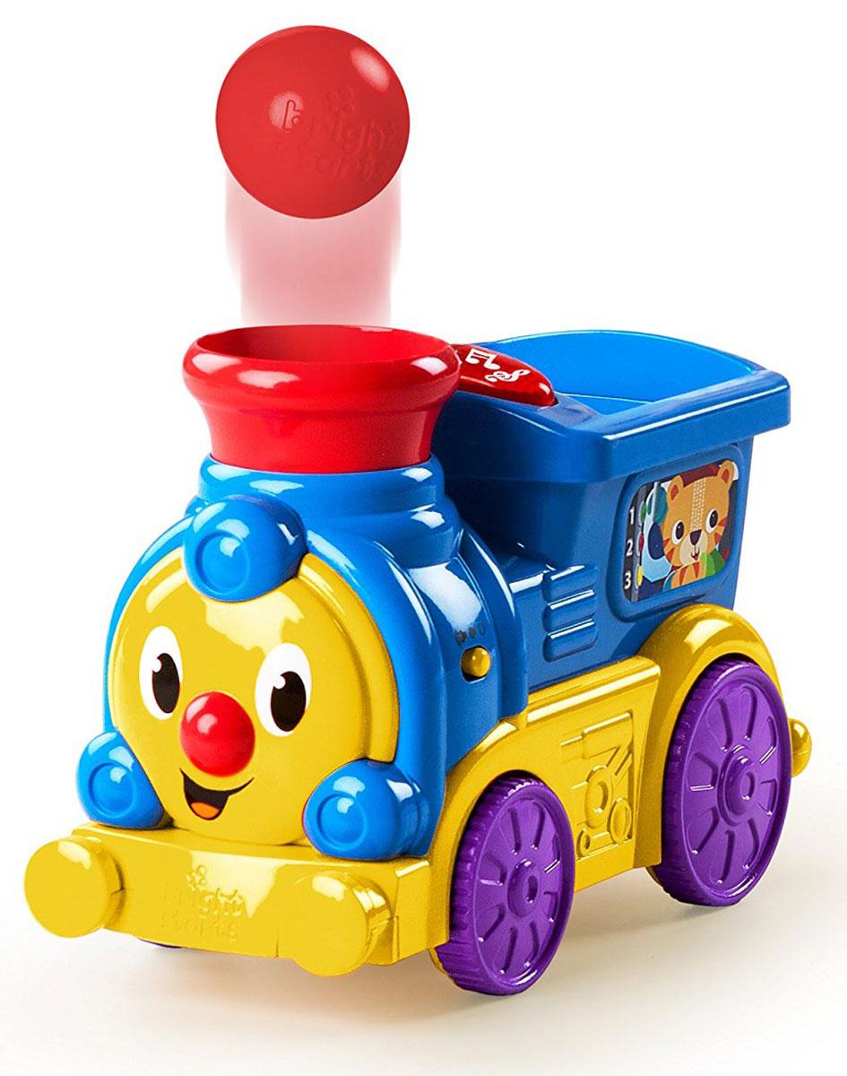Bright Starts Развивающая игрушка Веселый паровозик10308Развивающая игрушка Bright Starts Веселый паровозик непременно порадует малыша! Для того, чтобы паровозик отправился в путь, нужно сначала нажать на кнопку включения, а затем - на большую красную кнопку. Поместите шарик в кабину машиниста, и мячик забавно выпрыгнет из трубы паровозика. Игра сопровождается веселой музыкой с огоньками. Громкость музыки регулируется. Для работы игрушки необходимы 3 батарейки типа АА напряжением 1,5V (товар комплектуется демонстрационными).