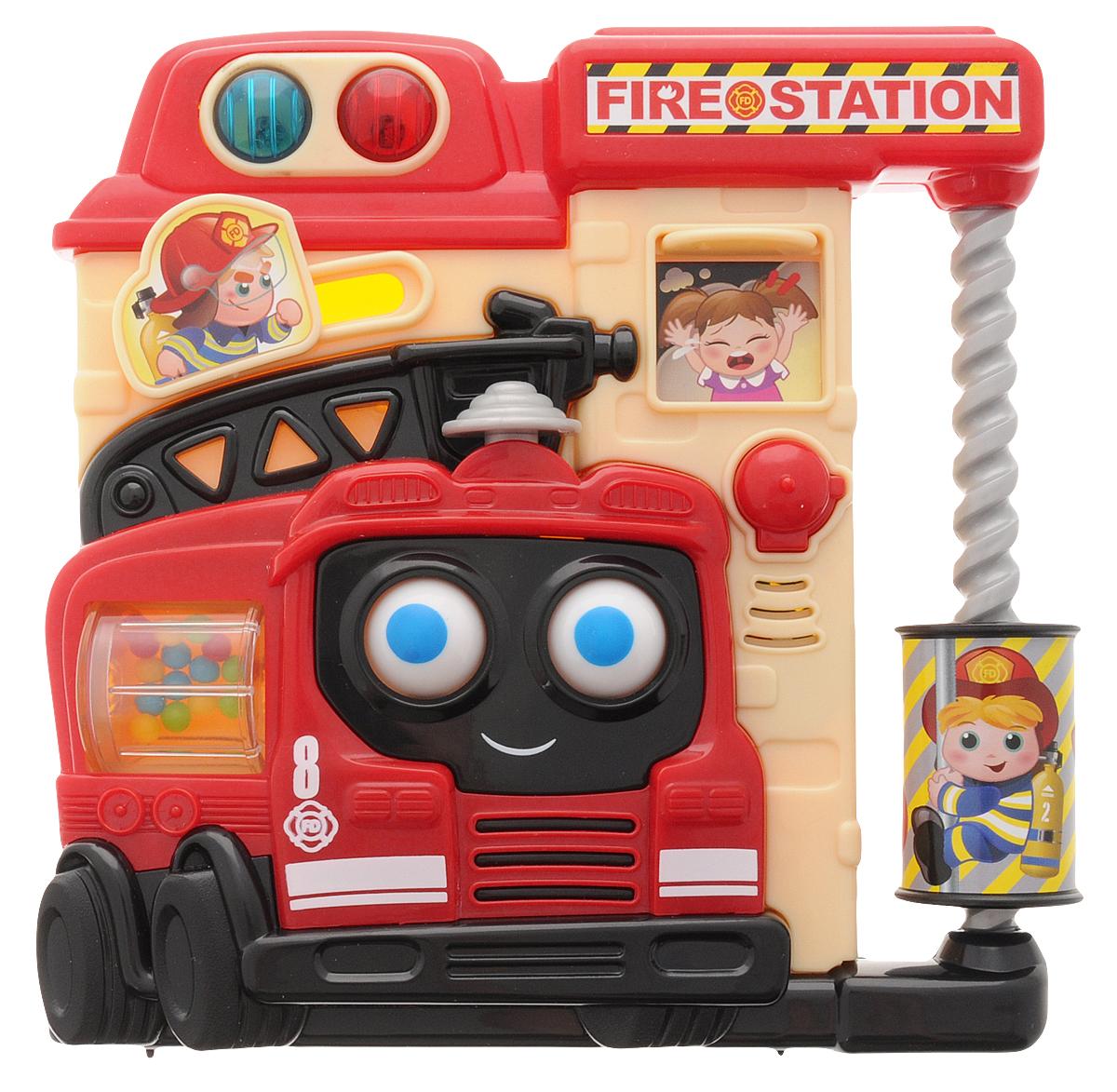 Playgo Развивающая игрушка Пожарная частьPlay 1014Развивающая игрушка Playgo Пожарная часть предназначена для самых маленьких детишек в возрасте от 6 месяцев. Игрушка изготовлена из качественного пластика и окрашена в яркие цвета, которые привлекут внимание ребенка. В игрушку встроены световые и звуковые эффекты - нажав на кнопочки, ребенок услышит различные звуки и увидит яркие огоньки. Различные функции игрушки направлены на развитие у ребенка логики, звукового и зрительного восприятия. Рекомендуется докупить 2 батарейки напряжением 1,5V типа АА (товар комплектуется демонстрационными).