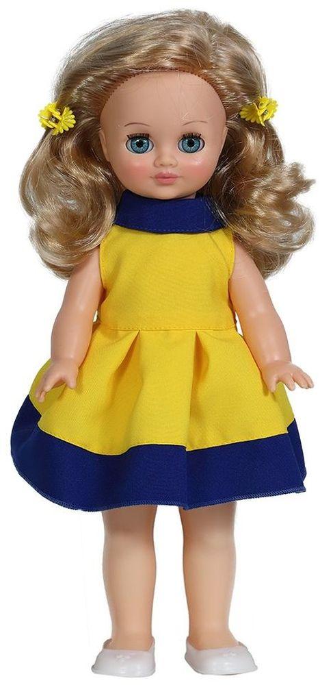Весна Кукла Герда озвученная В2796/оВ2796/оУ милой куклы Герды от фабрики Весна лазурно-голубые глаза и прелестные золотистые локоны. На ней надето нарядное желто-синее платье и белые туфельки. Комплект дополняют желтые заколки-цветочки. У Герды закрываются глазки, и она умеет разговаривать. При нажатии на звуковое устройство, вставленное в спинку, кукла произносит различные фразы. Очаровательная кукла Весна покорит сердце любой девочки! Обаятельный внешний вид и прелестные одежки игрушечных красавиц вызывают только самые добрые и положительные эмоции. Куклы производятся на российских фабриках из нетоксичных, безопасных для детей материалов. Они отличаются высоким качеством, проработанностью деталей и гармоничными пропорциями тела. Голова и ручки кукол изготовлены из эластичного винила, очень приятного на ощупь, а туловище и ножки - из прочной пластмассы. У кукол густые мягкие волосы, которые можно мыть, расчесывать и заплетать как только захочется. Они прочно закреплены и способны выдержать практически любые творческие...