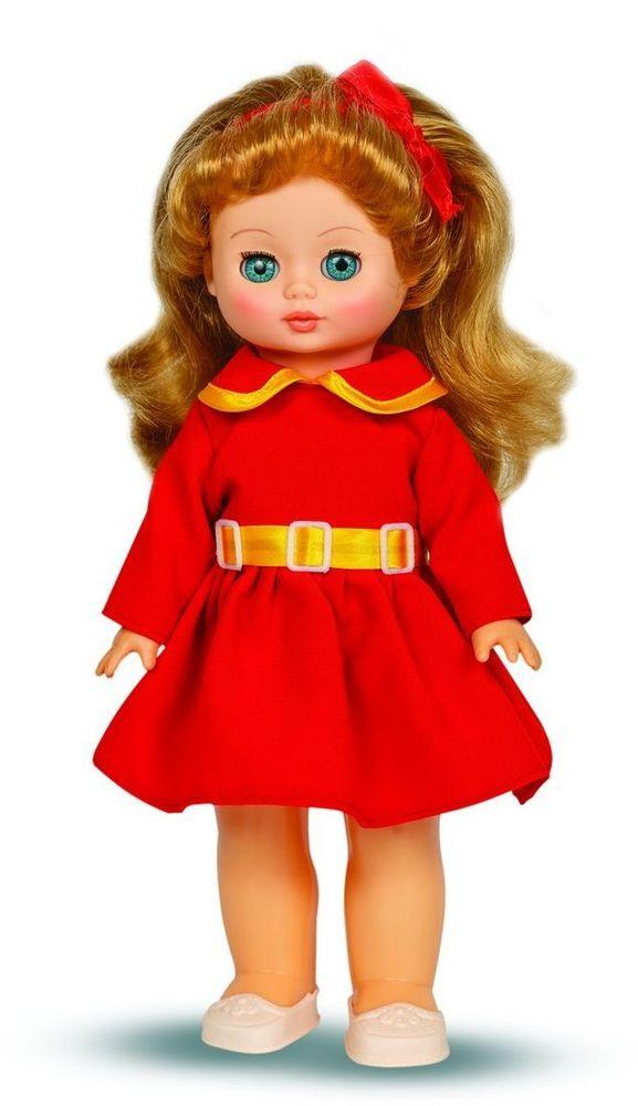 Весна Кукла Жанна озвученная В1880/оВ1880/оУ чудесной куклы Жанны от фабрики Весна лазурно-голубые глаза и роскошные золотистые волосы. На ней надето нарядное красное платье с воротничком и белые туфельки. Комплект дополняет ободок из атласной ленты в тон платью. У Жанны закрываются глазки, и она умеет разговаривать. При нажатии на звуковое устройство, вставленное в спинку, кукла произносит следующие фразы: -Теперь ты моя подруга. -Ты не забыла - сегодня мы идем на праздник. -Нам нужно быть красивыми. -Сделай мне прическу! -Получилось очень красиво! -Теперь себе. -Не забудь про маникюр. -А нарядное платье? -Мы сегодня самые красивые! Очаровательная кукла Весна покорит сердце любой девочки! Обаятельный внешний вид и прелестные одежки игрушечных красавиц вызывают только самые добрые и положительные эмоции. Куклы производятся на российских фабриках из нетоксичных, безопасных для детей материалов. Они отличаются высоким качеством, проработанностью деталей и гармоничными пропорциями тела. Голова и ручки кукол изготовлены...