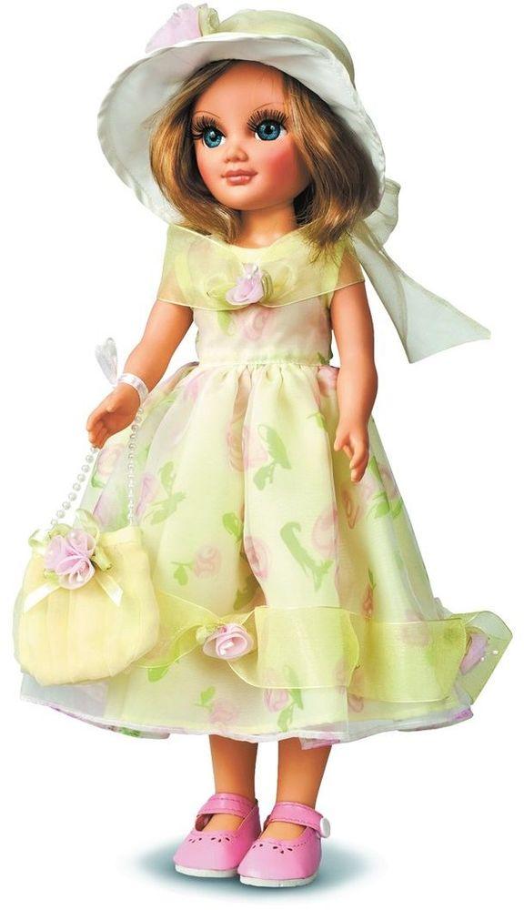 Весна Кукла Анастасия Лето озвученная В1808/оВ1808/оОчаровательная кукла Анастасия покорит сердце любой девочки! Обаятельный внешний вид и прелестные одежки игрушечных красавиц вызывают только самые добрые и положительные эмоции. Куклы производятся на российских фабриках из нетоксичных, безопасных для детей материалов. Они отличаются высоким качеством, проработанностью деталей и гармоничными пропорциями тела. Голова и ручки кукол изготовлены из эластичного винила, очень приятного на ощупь, а туловище и ножки - из прочной пластмассы. У кукол густые мягкие волосы, которые можно мыть, расчесывать и заплетать как только захочется. Они прочно закреплены и способны выдержать практически любые творческие порывы ребенка. Особый восторг у маленьких модниц вызывают нарядные костюмы, которые можно снимать и менять. Дополнительно к куклам выпускаются самые разнообразные комплекты одежды. С прелестной куклой отечественного производства возможно не просто весело проводить время, но и научиться одеваться по сезону. Игра с очаровательными куклами...