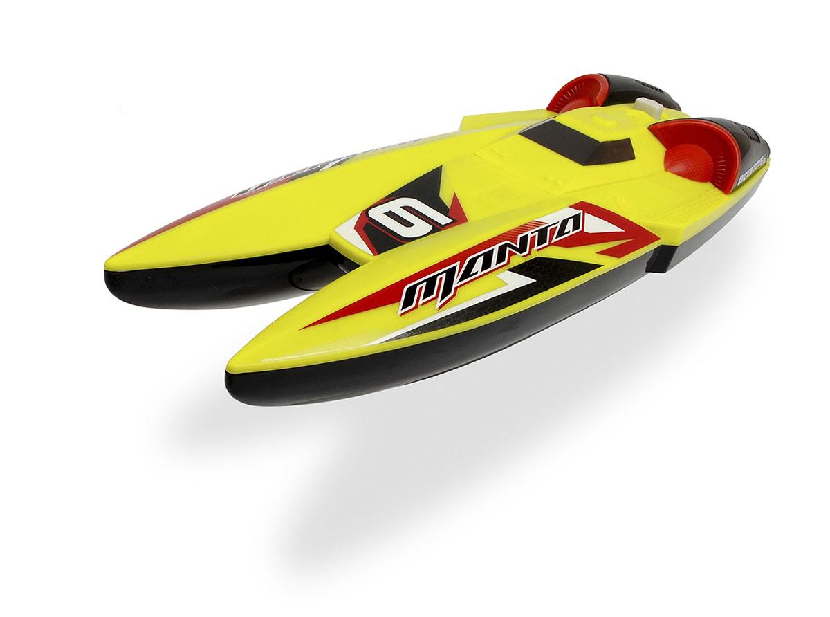 Majorette Лодка на радиоуправлении Manta19419Лодка Majorette Manta - это реалистичная копия настоящего катера. Юный капитан управляет скоростной лодкой при помощи пульта радиоуправления с частотой 40 МГц. Мощный мотор позволяет развить модели скорость до 3 км/ч. Игра в ванной или даже на большой воде с такой лодкой надолго займет малыша и не даст ему заскучать. Катер изготовлен из высококачественного прочного пластика и обладает потрясающей детализацией, что сделает игровой процесс еще более захватывающим. Дополнительная безопасность игрушки обеспечивается тем фактом, что гребные винты начинают работать только при погружении лодки в воду. Яркая лодка разнообразит игровые ситуации, откроет новые сюжеты для маленького покорителя водной глади и поможет развить мелкую моторику рук, внимание и координацию движений. Для работы игрушки необходимы 3 батарейки типа АА напряжением 1,5V (товар комплектуется демонстрационными). Для работы пульта управления необходимы 2 батарейки типа ААА напряжением 1,5V (товар...