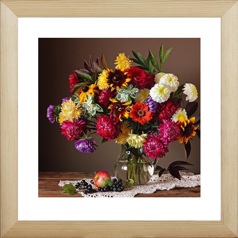 Картина Postermarket Осенние цветы, 40 х 40 см. MC-53MC-53Картина Postermarket Осенние цветы прекрасно подойдет для декора интерьера различных помещений. Постер, выполненный в технике фотопечать, обрамлен паспарту и оформлен багетом бежевого цвета. Картина для интерьера (постер) - это современное и актуальное направление в дизайне помещений. Ее можно использовать для оформления любых помещений (дом, квартира, офис, бар, кафе, ресторан или гостиница). работоспособность. Правильное оформление интерьера создает благоприятный психологический климат, улучшает настроение и мотивирует. Размер картины: 400 x 400 мм.