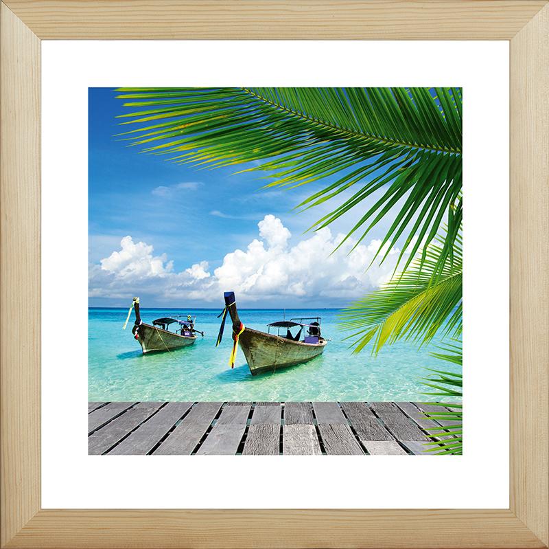 Картина Postermarket Лодки в Тайланде, 40 х 40 см. MC-57MC-57Картина Postermarket Лодки в Тайланде прекрасно подойдет для декора интерьера различных помещений. Постер, выполненный в технике фотопечать, обрамлен паспарту и оформлен багетом бежевого цвета. Картина для интерьера (постер) - это современное и актуальное направление в дизайне помещений. Ее можно использовать для оформления любых помещений (дом, квартира, офис, бар, кафе, ресторан или гостиница). работоспособность. Правильное оформление интерьера создает благоприятный психологический климат, улучшает настроение и мотивирует. Размер картины: 400 x 400 мм.