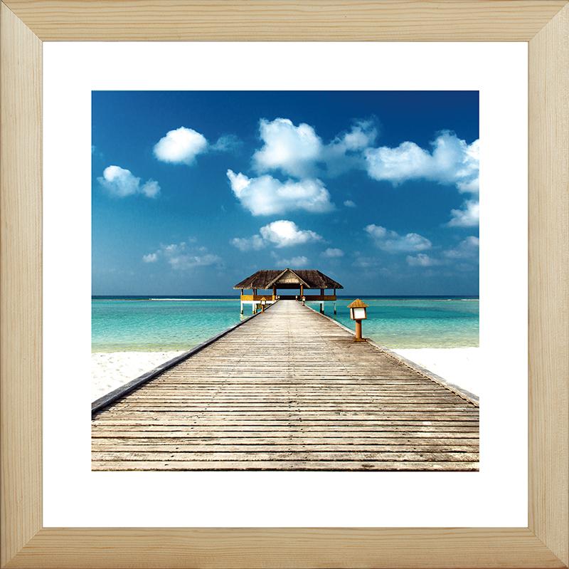 Картина Postermarket Пирс на пляже, 40 х 40 см. MC-58MC-58Картина Postermarket Пирс на пляже прекрасно подойдет для декора интерьера различных помещений. Постер, выполненный в технике фотопечать, обрамлен паспарту и оформлен багетом бежевого цвета. Картина для интерьера (постер) - это современное и актуальное направление в дизайне помещений. Ее можно использовать для оформления любых помещений (дом, квартира, офис, бар, кафе, ресторан или гостиница). работоспособность. Правильное оформление интерьера создает благоприятный психологический климат, улучшает настроение и мотивирует. Размер картины: 400 x 400 мм.