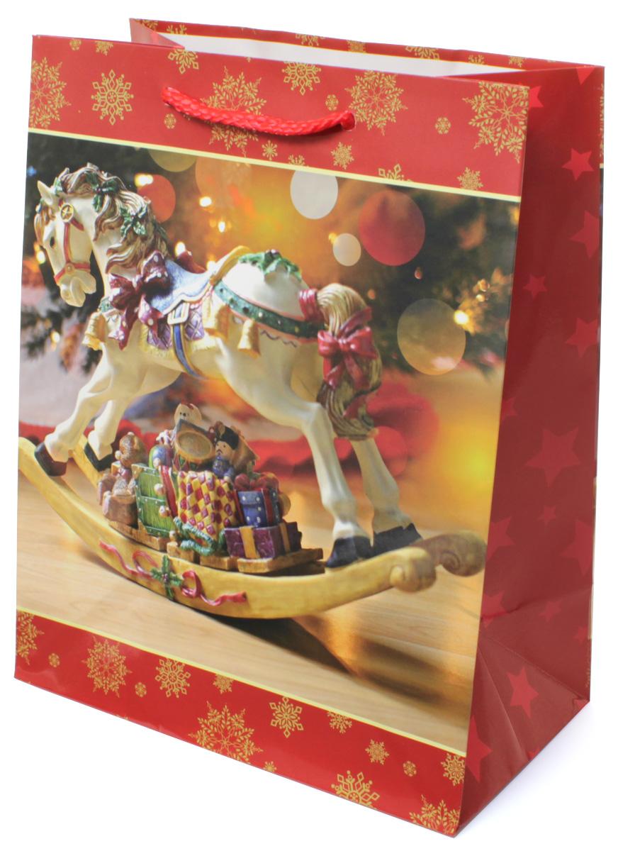 Пакет подарочный МегаМАГ Новый год, 18 х 22,7 х 10 см. 2145 M2145 MПодарочный пакет МегаМАГ, изготовленный из плотной ламинированной бумаги, станет незаменимым дополнением к выбранному подарку. Для удобной переноски на пакете имеются две ручки-шнурки. Подарок, преподнесенный в оригинальной упаковке, всегда будет самым эффектным и запоминающимся. Окружите близких людей вниманием и заботой, вручив презент в нарядном, праздничном оформлении.