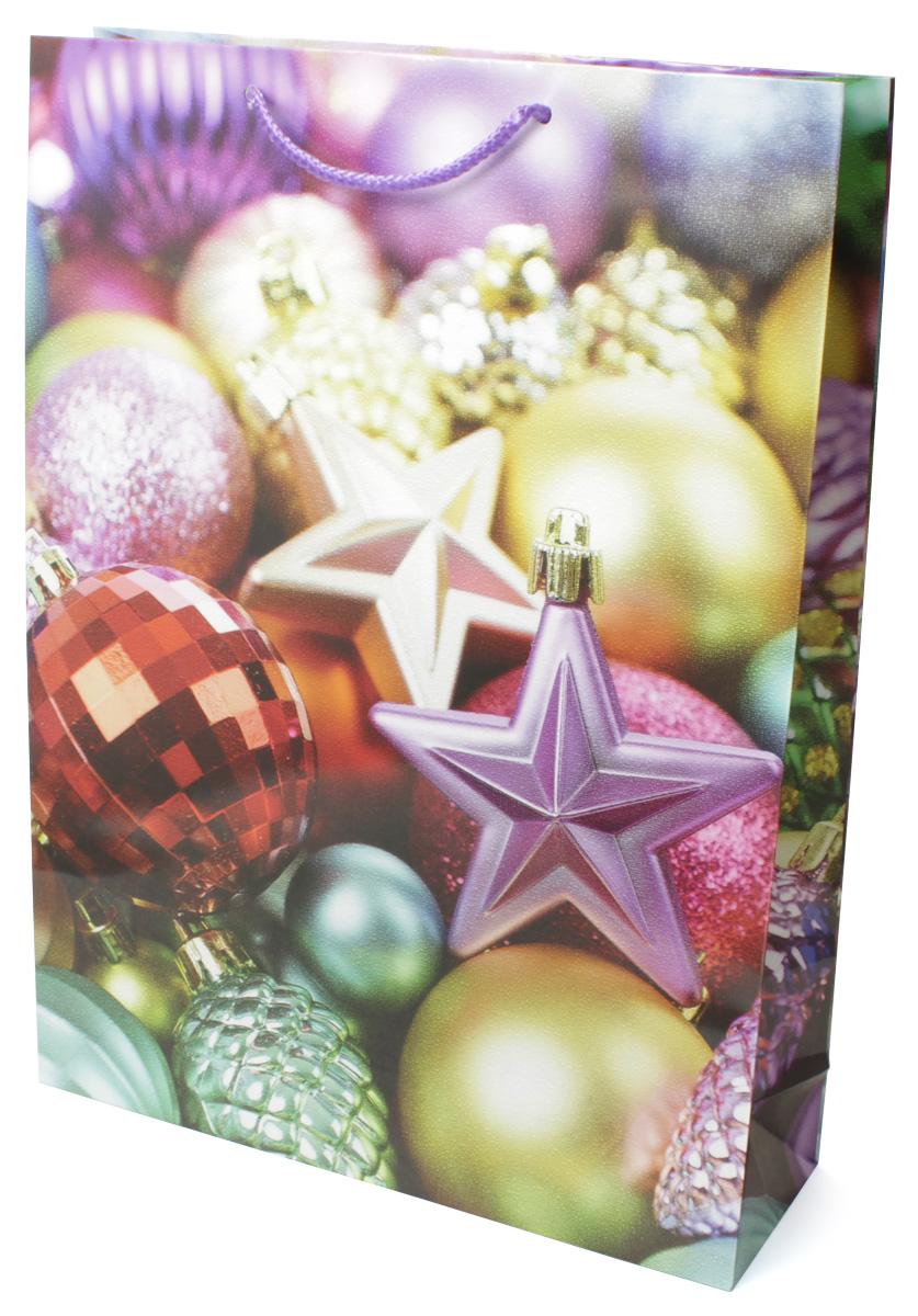 Пакет подарочный МегаМАГ Новый год, 32,4 х 44,5 х 10,2 см. 5066 XL5066 XLПодарочный пакет МегаМАГ, изготовленный из плотной ламинированной бумаги, станет незаменимым дополнением к выбранному подарку. Для удобной переноски на пакете имеются две ручки-шнурки. Подарок, преподнесенный в оригинальной упаковке, всегда будет самым эффектным и запоминающимся. Окружите близких людей вниманием и заботой, вручив презент в нарядном, праздничном оформлении.