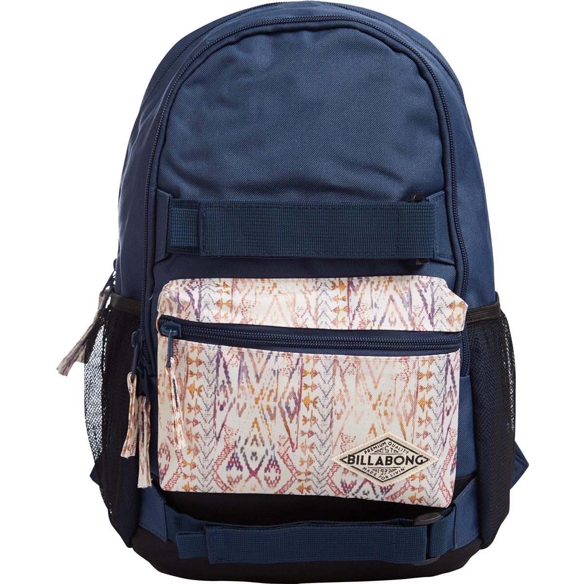 Рюкзак городской Billabong Crew, цвет: синий, 20 л. Z9BP02Z9BP02Функциональный городской рюкзак, выполненный из износостойких материалов, готовый служить Вам долгое время, сохраняя презентабельный внешний вид. Два вместительных отсека с карманом для ноутбука, а также внешний карман на молнии для мелочей. Крепления для скейта и боковые сетчатые карманы.