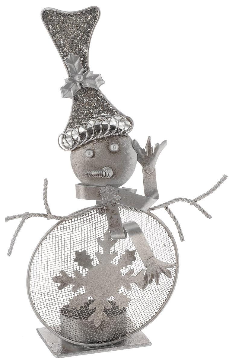 Фигурка декоративная House & Holder Снеговик, высота 22 см1594-3Фигурка новогодняя House & Holder Снеговик прекрасно подойдет для праздничного декора вашего дома. Изделие выполнено из металла в виде снеговика. Так же данную фигурку можно использовать в виде оригинального подсвечника.Такое украшение оформит интерьер вашего дома или офиса в преддверии Нового года. Оригинальный дизайн и красочное исполнение создадут праздничное настроение. Кроме того, это отличный вариант подарка для ваших близких и друзей.